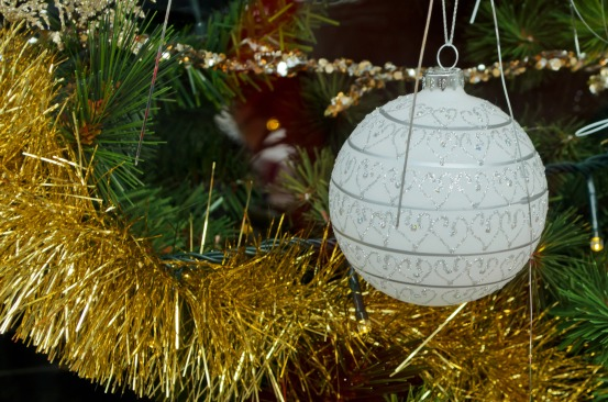 christmas-decorations-1352890664l5v