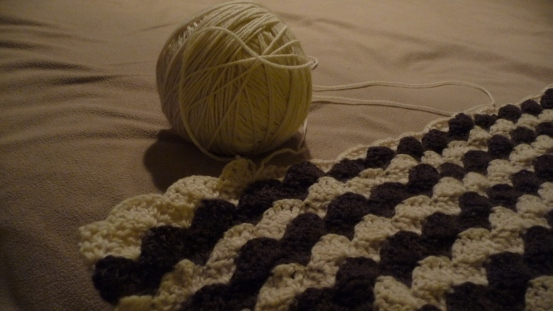 crochet_blanket_in_progress_close-up
